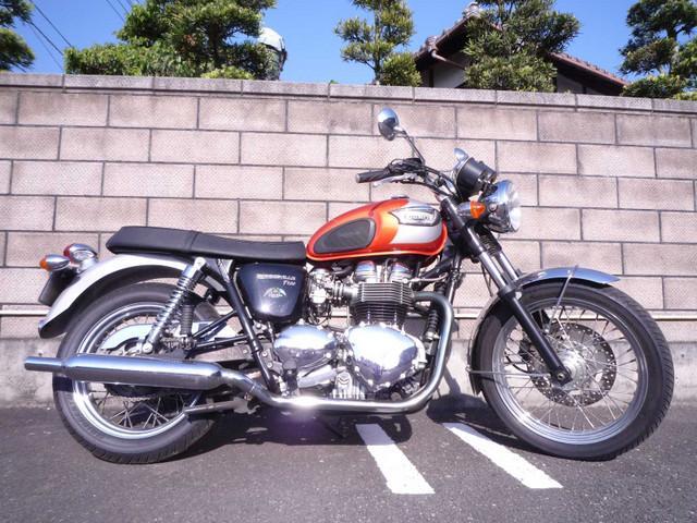 Triumph Triumph Bonneville T100 2003 Red 18639 Km Details