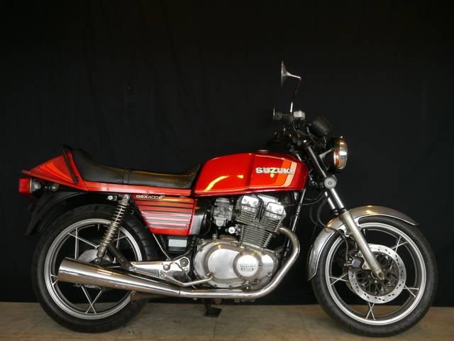 SUZUKI GSX400E | 1980 | RED II | uncertain | details ...