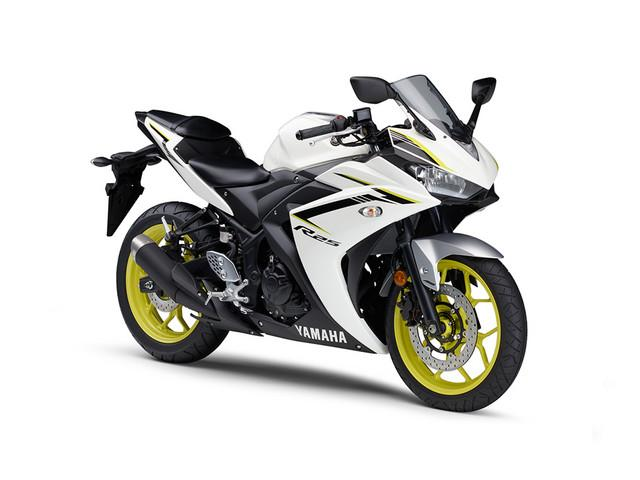 Yamaha yzf r25 new bike white km details for Yamaha yzf r25