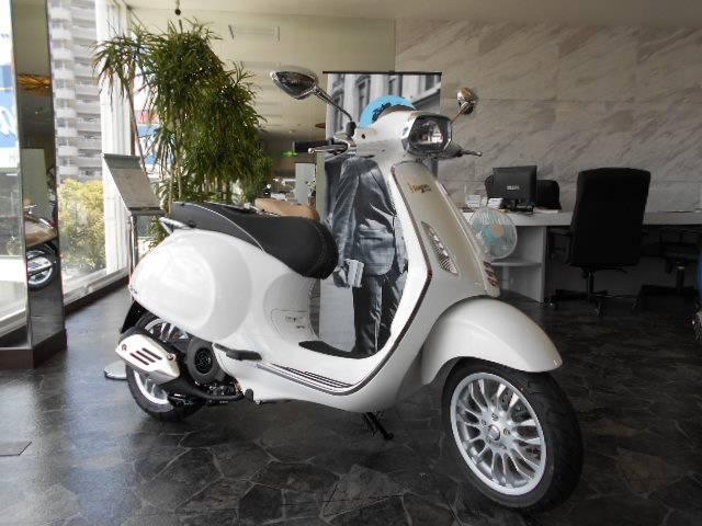 Vespa Vespa 150 Sprint New Bike White ― Km Details