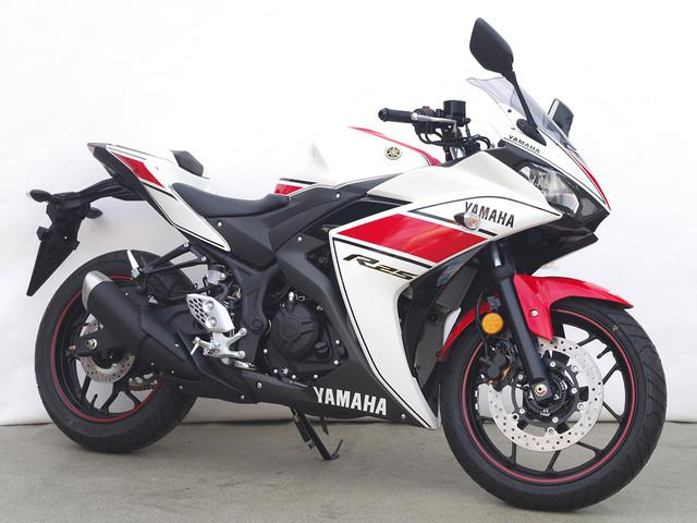 Yamaha yzf r25 new bike red km details for Yamaha yzf r25