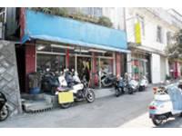 沖縄県のバイクショップならDECADE