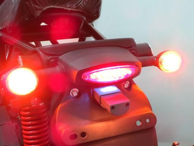 ●視認性に優れ省電力なLED式のテールランプ〜ハザード機能付きウインカー●