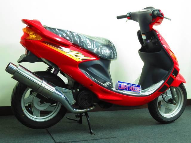 グランドアクシスの台湾仕様 RX100用のレッドストロボ外装を装着しております
