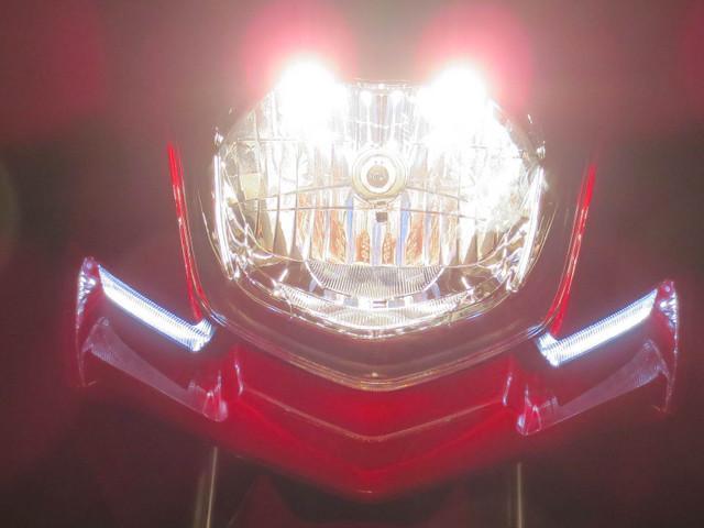 ● 新作ヘッドランプリフレクター&フロント導光タイプLEDポジションランプ ●