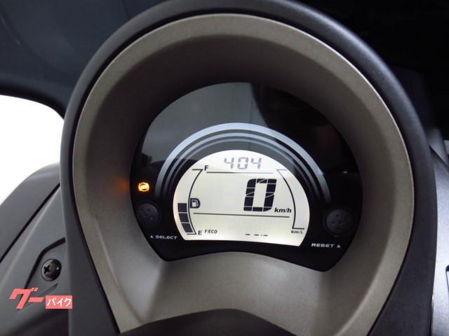 ◇ 便利な 燃費積算計などを 装備した 多機能な デジタルメーター ◇