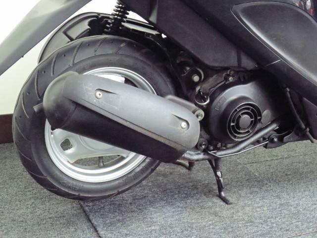 ●低燃費の4サイクル50ccエンジン搭載●