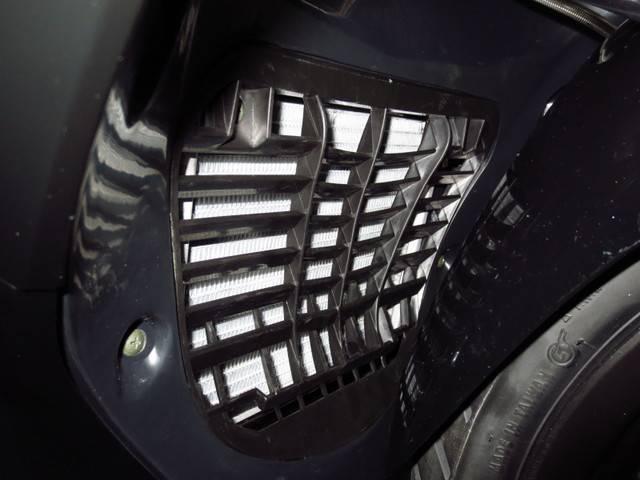 ●水冷エンジンの証である 大型ラジエター●