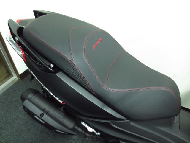 SPORT専用のスポーツタイプのシートを装備