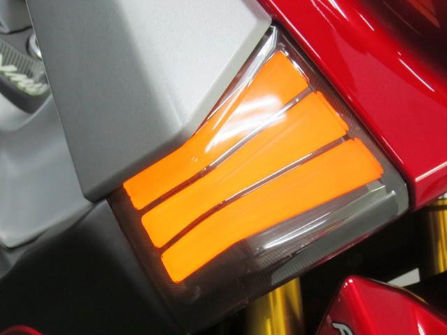 ● ネオン式 LED フロントウインカー ●