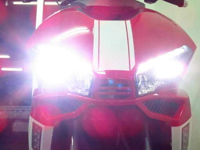 ● なんとヘッドライトには 豪華なLED式を採用しております ●