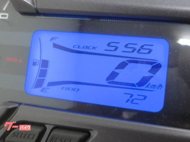 ●液晶大型マルチファンクションメーター●青いバックライトの液晶ディスプレイを採用●