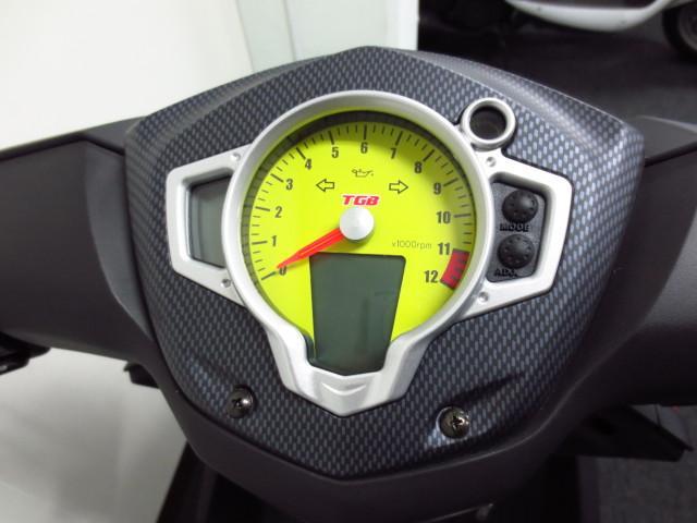 タコメーター付のスピードメーター