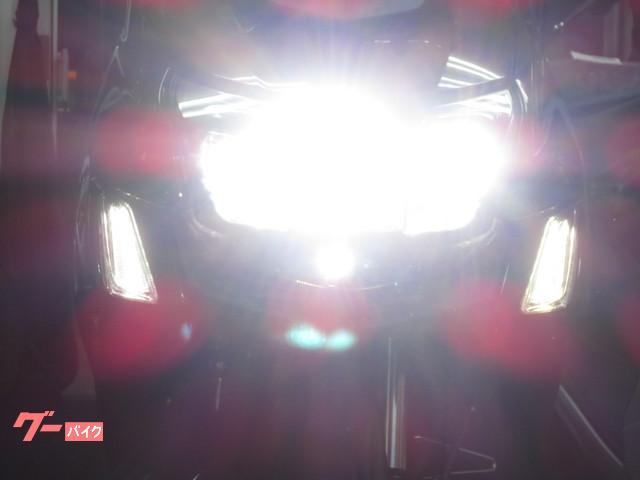 ●待望の LEDヘッドライトが標準装備になりました