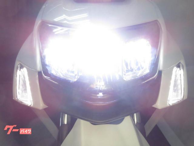 ● LEDヘッドライトが標準装備になりました