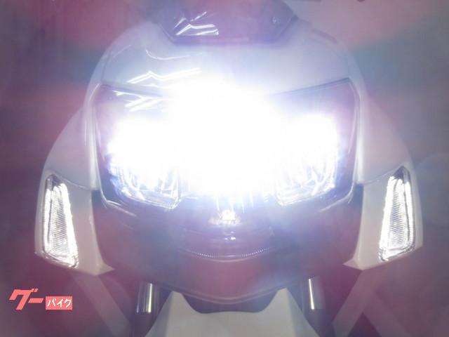 ●待望のLEDヘッドライトが標準装備となりました