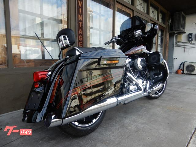 新車購入時にもらえる、エアークリーナーカバー・ボディカバー・持ち運びあるサドルバック型のバック