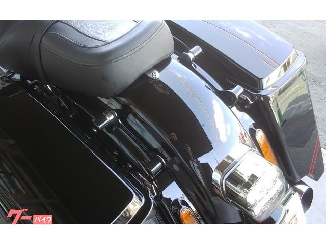 ドッキングハードウェア付属でシーシーバーの取り付けも手間要らず。
