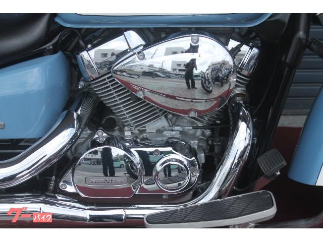 エンジンもピカピカです。