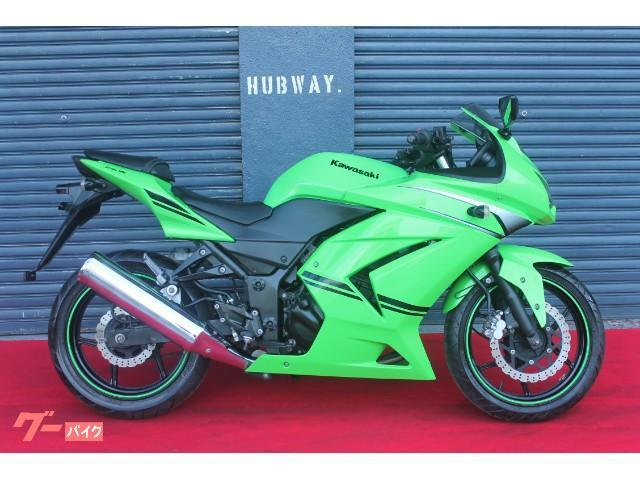 Kawasakiといえばライムグリーン。