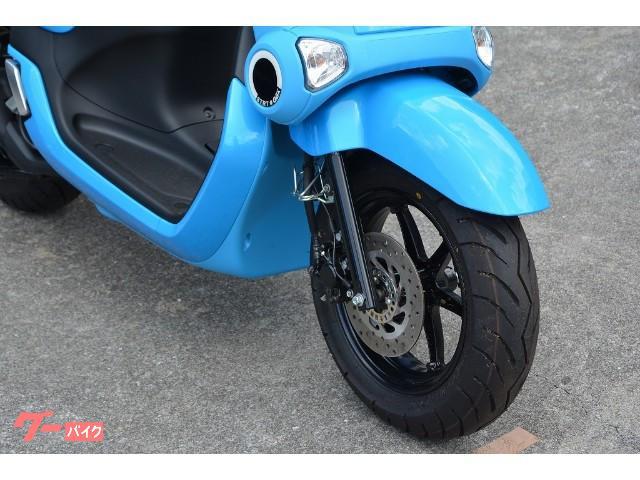 過去のどのバイクにも似ていない斬新なデザイン☆街中で目立つこと間違いなし。