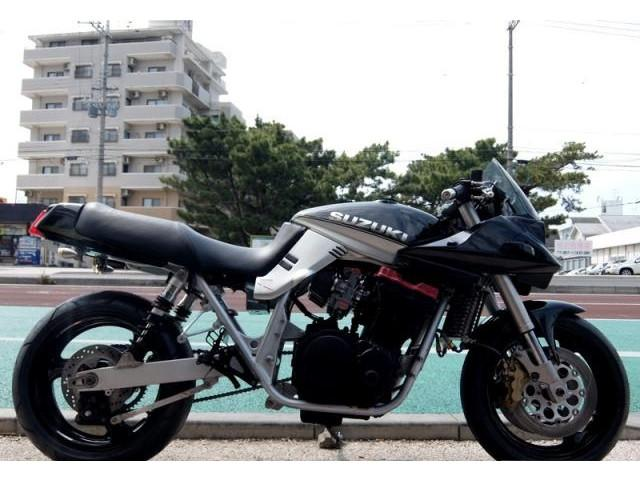 スズキ GSX1100S KATANA