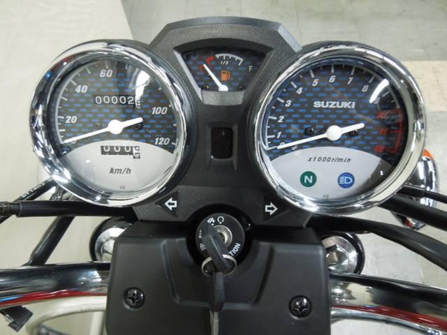 *燃料メーター&メーター中央部にギヤインジケーター付(何速にギヤが入ってるか表示されます)