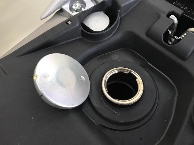 *燃料満タンで5,2L入ります