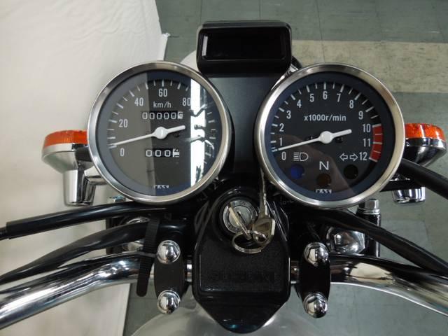 *メーター中央上部にギヤインジケーター付(何速にギヤが入ってるか表示されます)