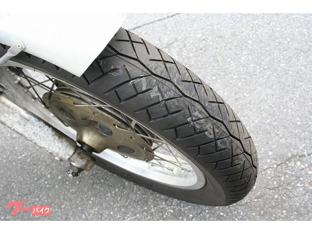 フロント新品タイヤ