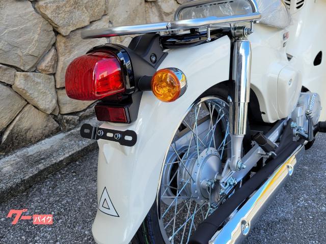丁度使いやすいリアキャリア!オプションのタンデムシート装着で二人乗りも可能です!