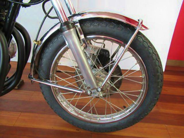 F:タイヤ・スポーク新品