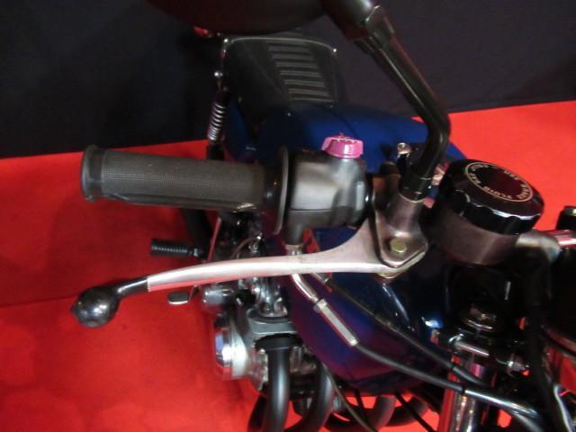 ハンドルグリップ・右スイッチボックス新品・純正ブレーキマスター