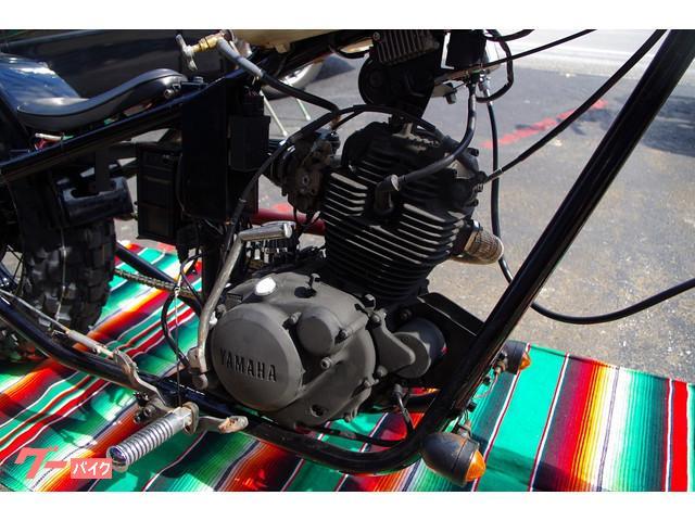 エンジンは耐熱塗装を施してあります。