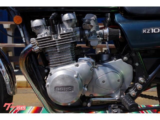 エンジンも年式を考えればキレイな状態です。