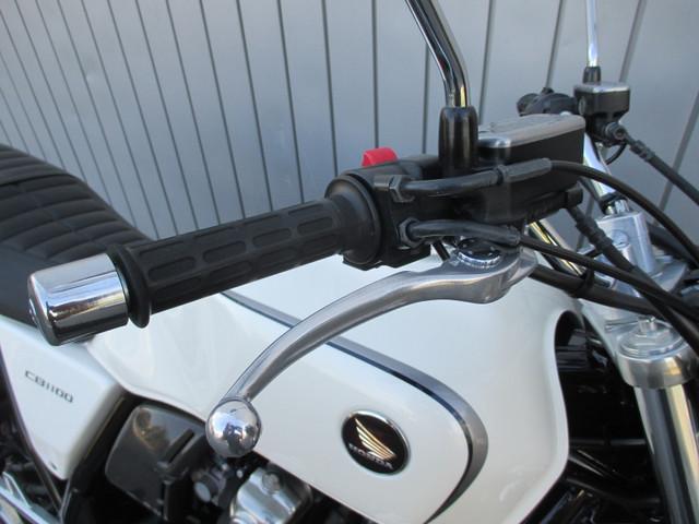 ホンダ CB1100 ABS タイプ1 EX用シート装着などの画像(愛知県