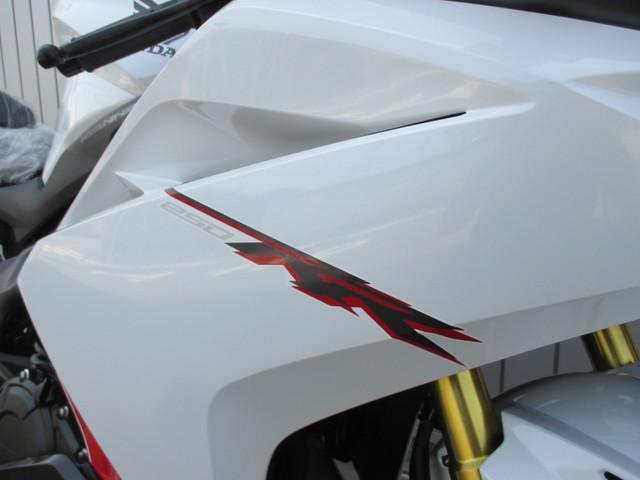ホンダ CBR250RR ABS 新車 ニューカラーの画像(愛知県