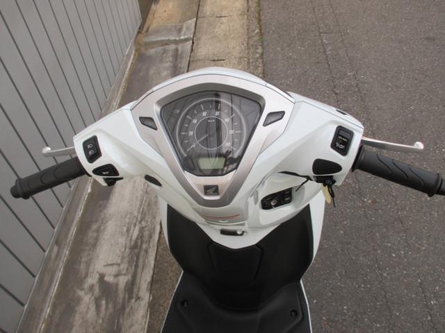 ホンダ リード125 新車 最新版 ツートーンタイプの画像(愛知県