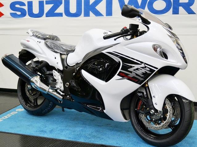 スズキ 隼 2017年 国内モデル ホワイトカラーの画像(愛知県