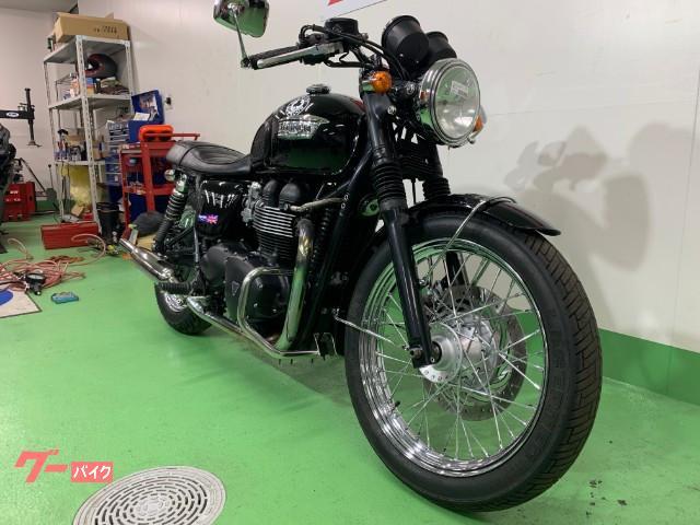 TRIUMPH ボンネビルT100 エンジンガード装備の画像(愛知県