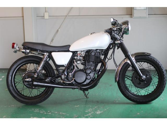 ヤマハ SR400 カフェレーサー ホワイトの画像(愛知県