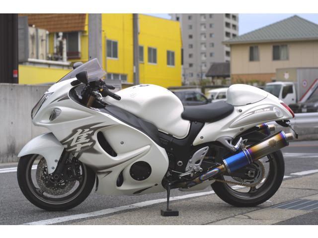 スズキ GSX1300Rハヤブサ 正規輸入車 マフラー・バーハンドルカスタムの画像(愛知県