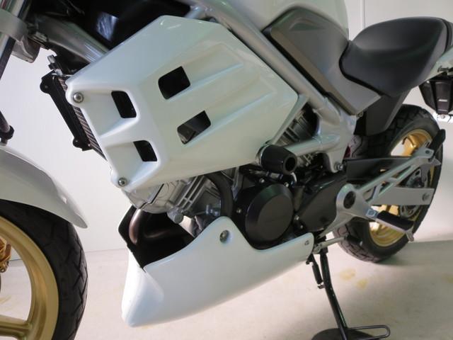 ホンダ VTR250 FIモデル無限マフラー純正カウル装着の画像(静岡県