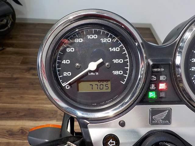 ホンダ CB400Super Four VTEC Revo USB電源 アラーム付きの画像(三重県