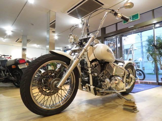 ヤマハ ドラッグスター400 ホワイトフレアペイント フルカスタムの画像(北海道