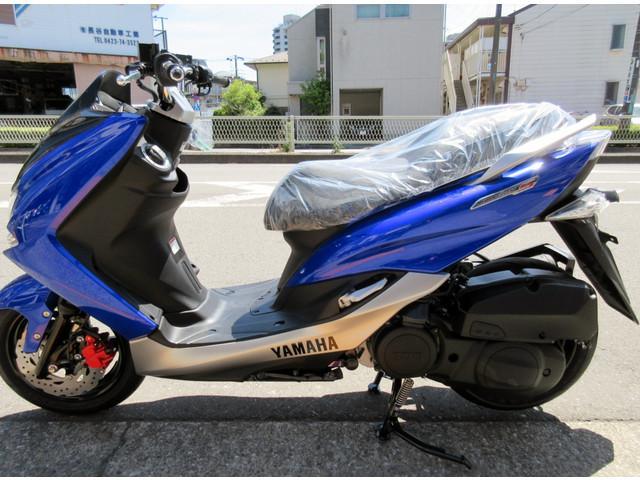 ヤマハ マジェスティS 最新モデル 国内仕様モデルの画像(東京都