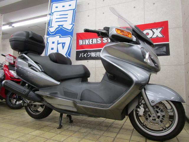 スズキ スカイウェイブ650 リアボックス装備の画像(東京都
