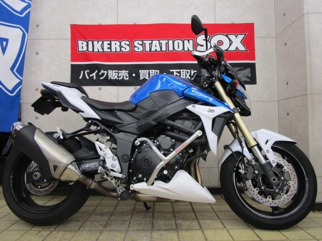スズキ GSR750 ABS エンジンガード装備の画像(東京都