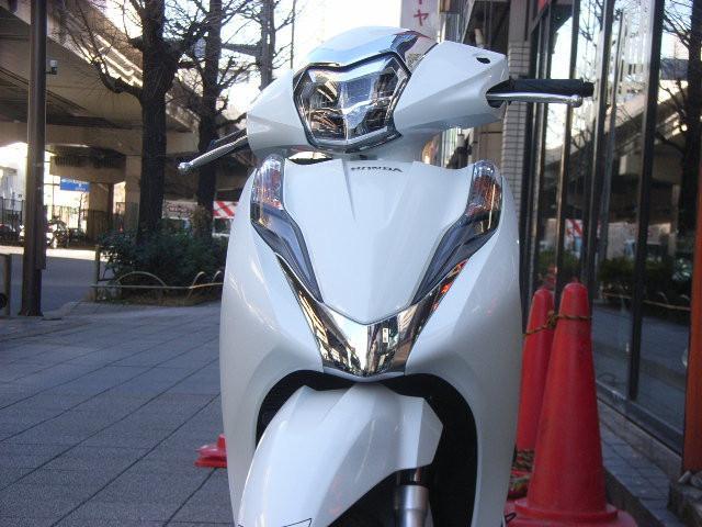 ホンダ リード125 最新型の画像(東京都