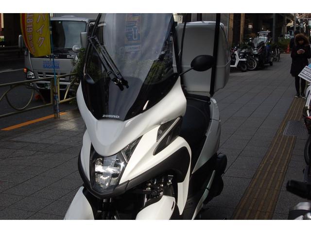 ヤマハ トリシティ 最新型 ルーフ仕様車の画像(東京都